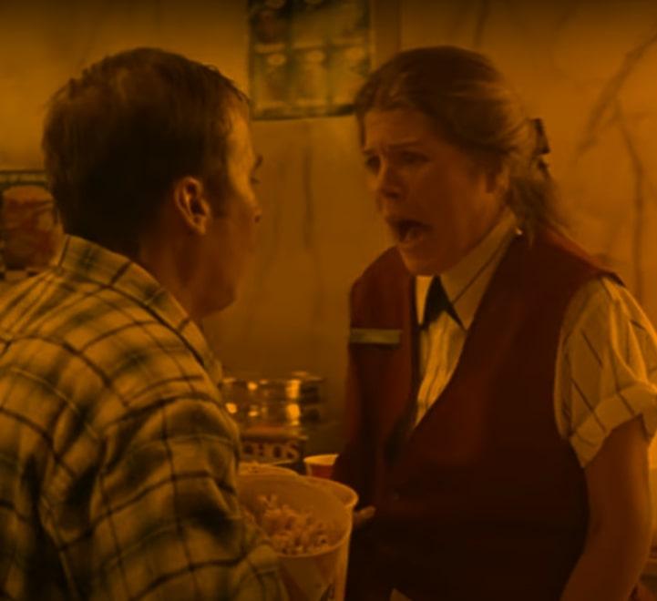 outbreak-movie-theater-scene